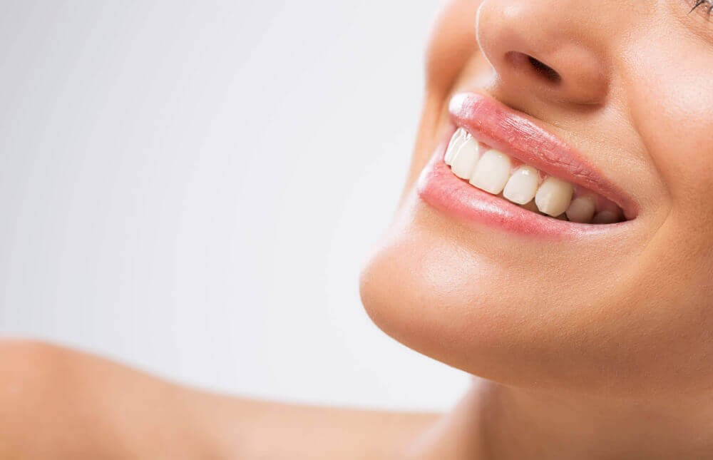Cosmetic Dentistry Explained - Improve Your Smile And Your Life!